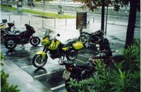 ch_ita_2003-03_brig-im-regen